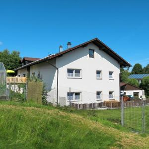 Hotel Pictures: Ferienhaus Patersdorf 200W, Prünst