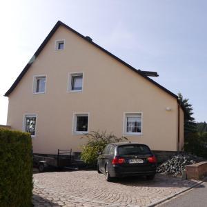 Hotel Pictures: Ferienwohnung-Kuechler, Oelsnitz