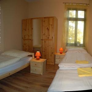 Hotel Pictures: Restaurace U Kadi s.r.o., Bílina Kyselka