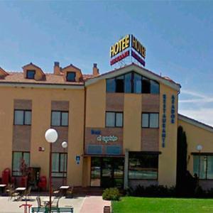 Hotel Pictures: Hotel restaurante el Capricho, Villahoz