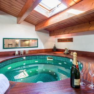 Hotel Pictures: Casa Joselito with Pooltable, Sant Lluis