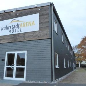 Hotel Pictures: Ruhrstadtarena Hotel, Herne