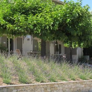 Hotel Pictures: La Sidoine, Crillon-le-Brave