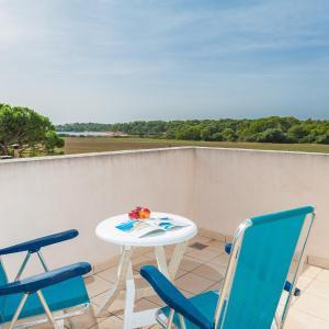 Hotel Pictures: Aguait, El Estanyol