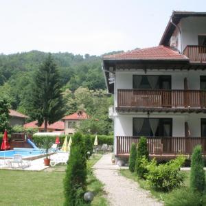 酒店图片: Family Hotel Bile, Beli Osŭm