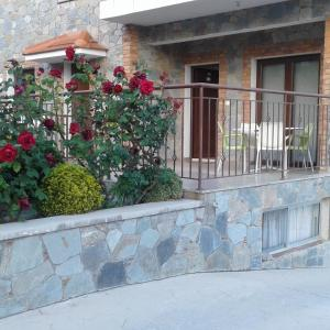 Hotel Pictures: Seven Hills Agros Apartment with Stunning Views, Agros