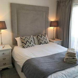 Hotel Pictures: Cardiff Premier Apartments, Cardiff