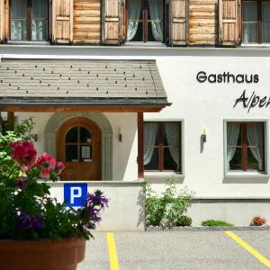 Hotel Pictures: Gasthaus Alpenrose, Innerferrera
