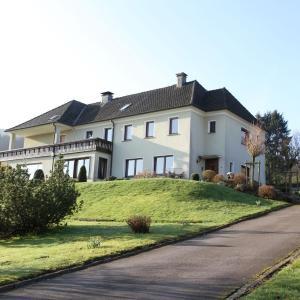 Hotel Pictures: Mangs-Hof, Plettenberg