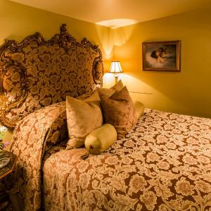 Hotel Pictures: Russell Manor Bed & Breakfast, Morrisburg