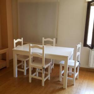 Hotel Pictures: Apartamento Assur, Toledo