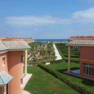 Hotel Pictures: North Coast Appartment, El Alamein