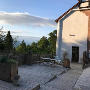 Hotel Pictures: Logis Du Haut-Koenigsbourg, Thannenkirch