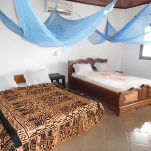 Hotel Pictures: Tsaben Beach Hotel, Limbe