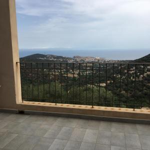 Hotel Pictures: Appartement Santa Reparata, Santa-Reparata-di-Balagna