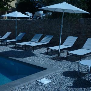 Hotel Pictures: Les Aludes, La Destrousse
