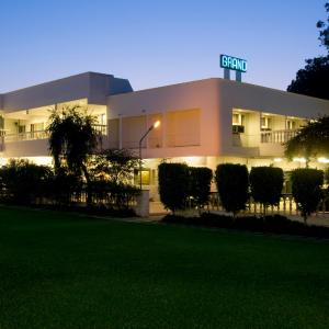 Hotel Pictures: Grand Hotel, Agra