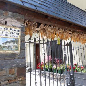 Hotel Pictures: Casa Dera Hont, Arrés