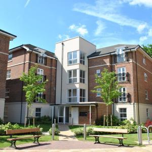 Hotel Pictures: Flexi-lets@Farnborough Queens Gate, Farnborough