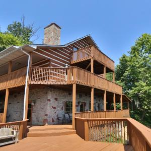 Hotellbilder: Smoky View Top Shelf - Six Bedroom, Sevierville