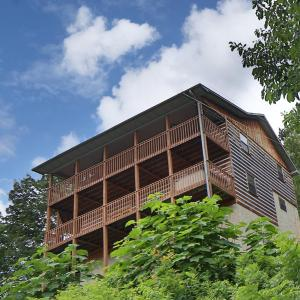 Hotellbilder: Smoky View with a Twist - Five Bedroom, Sevierville