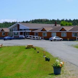 Hotel Pictures: Silverwood Inn Hotel Bay Roberts, Bay Roberts