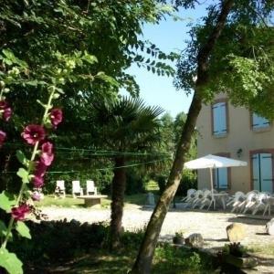Hotel Pictures: House En calmettes, Belleserre