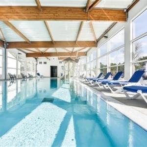 Hotel Pictures: Apartment Park hôtel, niché au coeur de la forêt, avec piscine, Saint-Hilaire-de-Riez