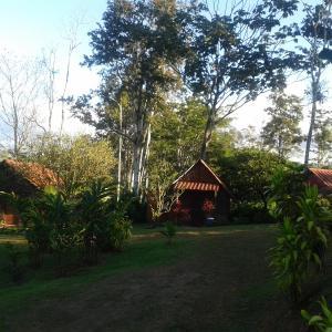 Hotel Pictures: Cabañas Rio Celeste, El Achiote