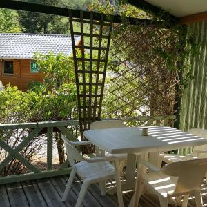 Hotel Pictures: Camping Le Rey, Louvie Juzon