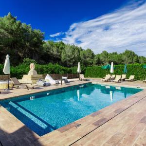 Hotel Pictures: Apartamentos Colomar, Es Figueral Beach