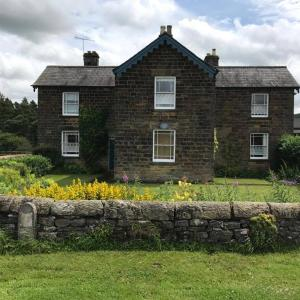 Hotel Pictures: Hassop Station Farm B&B Chatsworth Estate Bakewell, Bakewell