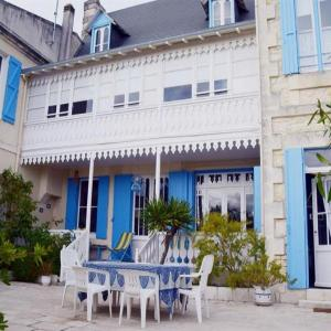 Hotel Pictures: House Charme et exception - ronce-les-bains, Ronce-les-Bains