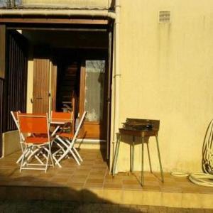 Hotel Pictures: House St georges de didonne, maisonnette en residence avec jardinet, Saint-Georges-de-Didonne