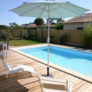 Hotel Pictures: House Saint palais sur mer - belles prestations pour cette maison avec piscine - a 5 min a pied de la plage du platin - wifi, Saint-Palais-sur-Mer