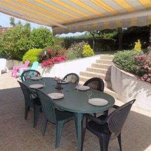 Hotel Pictures: House Agréable maison - secteur boisé - sans vis a vis - saint palais sur mer, Saint-Palais-sur-Mer
