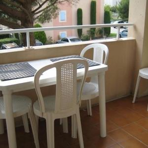 Hotel Pictures: Apartment Verdon, Six-Fours-les-Plages