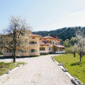 Hotellikuvia: Guest House Pandukov, Apriltsi