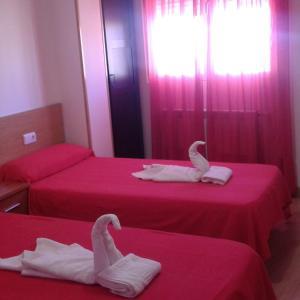 Hotel Pictures: Hostal Caminito, La Bañeza