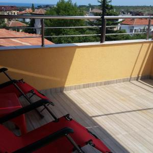 Hotel Pictures: The Sea Lions Guest House, Tsarevo