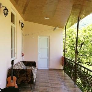 Hotellikuvia: Guesthouse Host, Ambrolauri