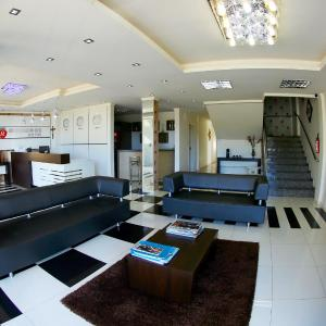 Hotel Pictures: Morangos Hotel, Realeza