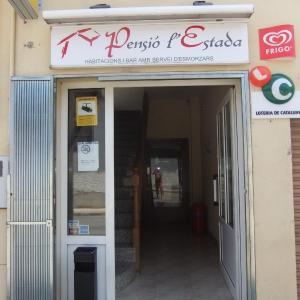 Hotel Pictures: Pensió L'Estada, Sant Joan les Fonts