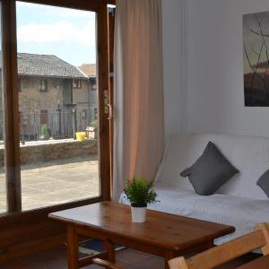 Hotel Pictures: Apartamento de Montaña, Escardacs
