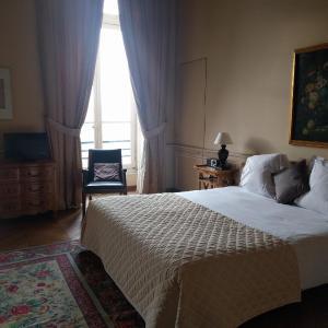 Hotel Pictures: Château Du Maréchal De Saxe, Yerres