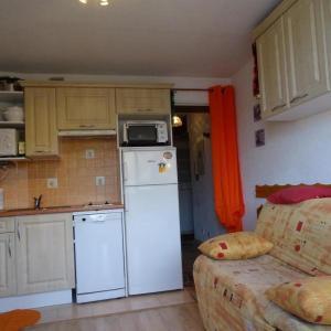 Hotel Pictures: Apartment Plein soleil, La Pierre Saint Martin