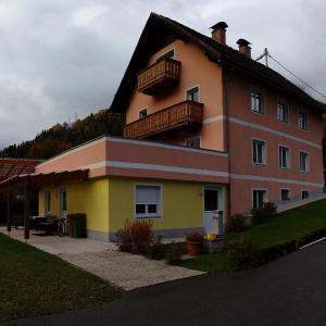 Foto Hotel: Appartementhaus Alpina, Flattach