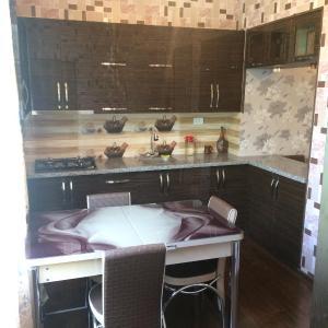 Φωτογραφίες: Apartment on Kostava 3, Tqibuli