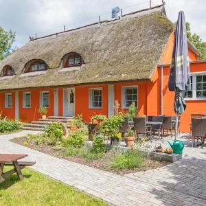 Hotel Pictures: Pension Das Bär-sondere Haus, Sundhagen-Niederhof