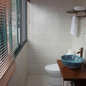 Hotel Pictures: Qing Shu Xiao Yuan, Deqing
